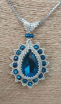 seed bead necklace patterns for beginners Bracelets Diy, Beaded Bracelets Tutorial, Seed Bead Bracelets, Seed Bead Jewelry, Bead Jewellery, Stretch Bracelets, Jewellery Making, Seed Beads, Jewelry Necklaces