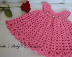 Vestido del ganchillo de bebé niña por BellasBabyTreasures en Etsy