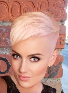 Funky Short Hair, Super Short Hair, Short Grey Hair, Short Hair Cuts, Short Hair Styles, Short Shaved Hairstyles, Edgy Short Haircuts, Curly Pixie Hairstyles, Shaved Hair Designs