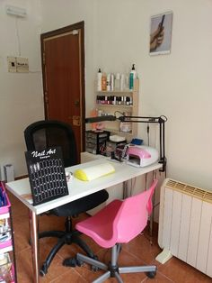Small space nail technician room set up | nail station a | home nail salon ideas | salon flooring ideas