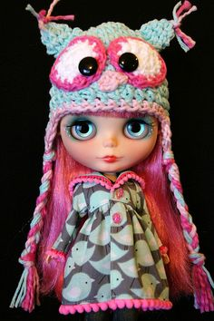 Shocking, my mom actually said this Blythe was cute.  She is slowly coming to the dark side!  Owl hat and bird jacket!