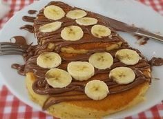 Pancakes in 10 minutes Easy Sweets, Easy Desserts, Greek Cookies, Cake Recipes, Dessert Recipes, Good Foods To Eat, Sweets Cake, Happy Foods, Yummy Food