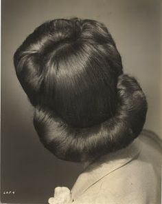 The Girl with the Star-Spangled Heart: Inspiration: 1940s Hair