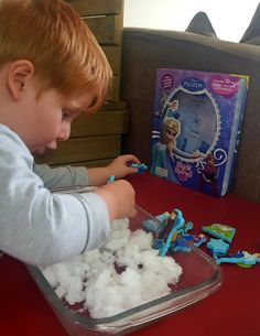 Bookish play : Disney Frozen stuck on stories - Mamma & Bear Snow Texture, Frozen Characters, Small World Play, Learning Through Play, Sensory Activities, Disney Frozen, Make Your Own, Good Books, This Book
