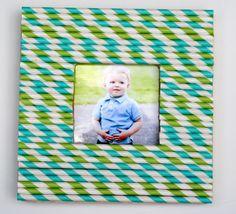 Make a Stripey Straw Frame! Perfect for summer photos and easy enough for the kids too. #kids #frames #kidscrafts www.makinglemonadeblog.com