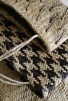 Maori, New Zealand, Flax Weaving, Weaving Textiles, Weaving Art, Basket Weaving, Weaving Patterns, Maori Patterns, Wood Patterns, Contemporary Baskets, Maori Designs