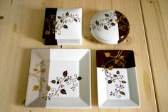 Motif précieux est un modèle à peindre sur porcelaine très tendance qui vous guide pas à pas grâce à un carnet de techniques complet et clair.