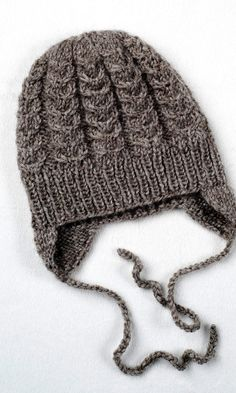 Vauvan myssyssä on nyöri, jolla sen voi sitoa kiinni leuan alta. Knitted Baby Clothes, Knitted Hats, Diy Crochet, Crochet Baby, Baby Knitting Patterns, Baby Hats, Beanie Hats, Handicraft, Sewing Projects