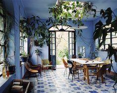 Claudio Tajoli's interior photography / Via My Scandinavian Home. Blue Rooms, Blue Walls, Tropical Decor, Tropical Interior, Tropical Colors, Tropical Furniture, Tropical Kitchen, Pastel Interior, Color Interior
