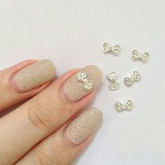 Beautiful 3d bow nail art