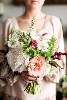 Gorgeous Floral Wedding Ideas by Poppies and Posies - MODwedding