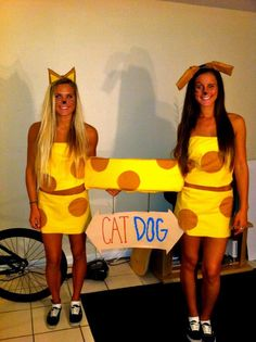 Catdog Halloween costume for a dynamic duos party Dog And Owner Costumes, Friend Costumes, Funny Costumes, Dress Up Costumes, Cool Halloween Costumes, Halloween Town, Spirit Halloween, Halloween Outfits, Holidays Halloween