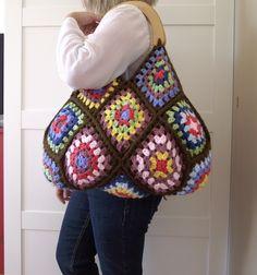 "I added ""LiliaCraftParty: CROCHET PATTERN BAG crochet Grann"" to an #inlinkz linkup!http://liliacraftparty.blogspot.it/2016/10/crochet-pattern-bag-crochet-granny.html"