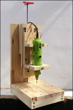 Enjoy on your woodworking projects with precision tool like this DIY drill press! #WoodworkingTools