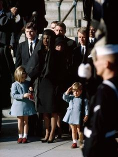 John Kennedy Jr., Caroline Kennedy, and Jackie Kennedy at JFKs funeral...favorite picture ever