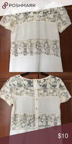Women's lace top Looser fit, very comfortable. Forever 21 Tops Tees - Short Sleeve