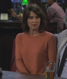 Robin's orange sweater on How I met your mother How Met Your Mother, Robin Scherbatsky, Where To Buy Clothes, Cobie Smulders, Himym, Orange Sweaters, Fashion Tv, Red Pants, I Meet You