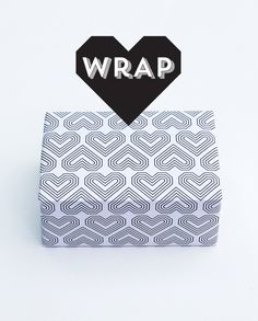 Free printable valentines gift wrap // by minieco