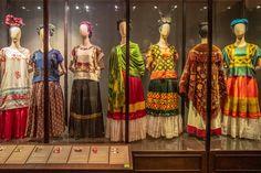 "Take a virtual tour of ""La Casa Azul"", the Frida Kahlo museum in Mexico Frida Kahlo Exhibit, Frida Kahlo Artwork, Nicole Richie, Famous Self Portraits, Fridah Kahlo, Frida And Diego, I Love Mexico, Mexico Culture, New York Museums"