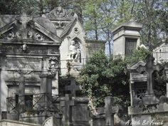 I love this cemetery - the Pere LaChaise in Paris!!!