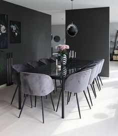 Take a look to some inspiring and luxury dining room lighting ideas. - - Take a look to some inspiring and luxury dining room lighting ideas. Dining Room Lamps, Luxury Dining Room, Dining Room Lighting, Dining Room Sets, Dining Room Design, Interior Design Living Room, Living Room Decor, Wall Lamps, Dining Tables