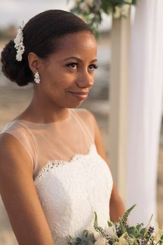 bridal inspiration for beach wedding Natural make up and classy hair style for the beach elopement.