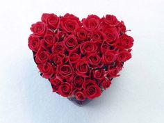 Bouquet de flores em forma de coração Wallpaper