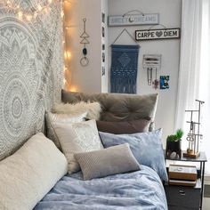 This luxuriously filled Blue Shibori Comforter and Sham Set makes a serious case for hiding under the covers all afternoon. Your lazy weekends begin (and end) with this soothing blue tie-dye dorm bedding. Grey Room, Gray Bedroom, Dark Red Wallpaper, Beach Room Decor, Cushion Headboard, Dorm Walls, College Dorm Rooms, Dorm Bedding, Grey Walls
