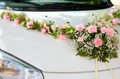Decoration of a wedding car Food Table Decorations, Wedding Car Decorations, Flower Bouquet Wedding, Floral Wedding, Wedding Car Ribbon, Car Wedding, Bridal Car, Fairytale Weddings, Fancy Cars