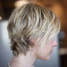 70 Short Shaggy, Spiky, Edgy Pixie Cuts and Hairstyles Beauty shaggy pixie cut for thin hair - Thin Hair Cuts Shaggy Pixie Cuts, Pixie Cut Blond, Edgy Pixie Cuts, Short Pixie, Long Pixie Hair, Messy Pixie, Asymmetrical Pixie, Pixie Bob Hairstyles, Haircuts For Fine Hair