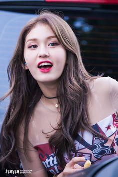 jeon somi | asian | pretty girl | good-looking | kpop | @seoulessx ❤️