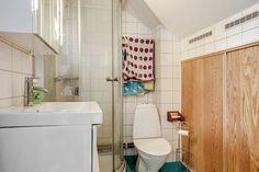 . Mellan-Grevie kyrkoväg  3 - Bjurfors Alcove, Bathtub, Bathroom, Standing Bath, Washroom, Bathtubs, Bath Room, Bath, Bathrooms