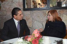 Esta mañana, el gobernador Silvano Aureoles compartió, con la periodista Valentina Alazraki, opiniones respecto de la visita del líder mundial de la Iglesia Católica a Michoacán, el pasado mes de ...