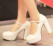 Pequeno metros 32 33 couro japanned de salto alto sapatos de noiva sapatos de salto grosso plus size 40 - 43 de trabalho(China (Mainland))