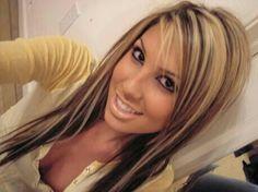 dark brown hair with blonde highlights - Bing Images like her hair Dark Brown Hair With Blonde Highlights, Hair Highlights, Dark Hair, Chunky Highlights, Color Highlights, Caramel Highlights, Burgundy Highlights, Caramel Blonde, White Blonde