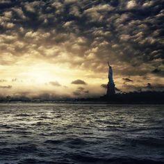 Lady of New York by @NYC_PH0T0 #newyorkcityfeelings #nyc #newyork