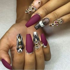 In order to inspire you to make some winter nails matte color for your long nails, we have specially collected more than 80 images of matte nails. I hope you can find a satisfactory style from them. Dope Nails, Bling Nails, Fun Nails, Glam Nails, Fabulous Nails, Gorgeous Nails, Pretty Nails, Amazing Nails, Matte Nails