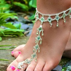 Love this foot jewelry! Beaded Sandals, Beaded Anklets, Beaded Jewelry, Emerald Bracelet, Emerald Jewelry, Emerald Rings, Ruby Rings, Ankle Jewelry, Ankle Bracelets