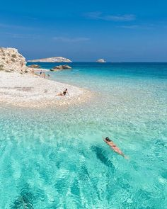 Just leave me here in paradise 😍☀️ today we did a boat tour around the islands of Lipsi in the Dodecanese. This is the main beach in Aspronisi island 🐬 Places To Travel, Places To Visit, Coastal Country, Greece Hotels, Greece Islands, Greece Sea, Destination Voyage, Boat Tours, Greece Travel