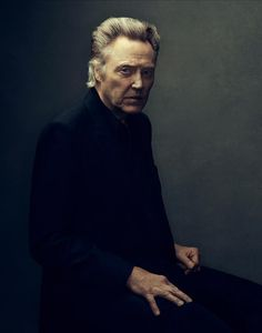 Portrait Photography of Christopher Walken Foto Portrait, Portrait Photography, Celebrity Portraits, Celebrity Photos, Male Portraits, Celebrity List, Hollywood, Photo Star, Men In Black