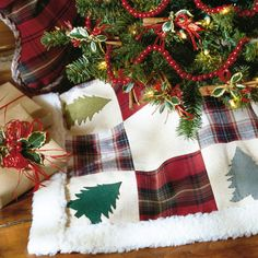 Adirondack Tree Skirt - for an old fashioned Christmas look.