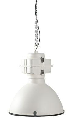 <p><span>Deᅠ</span><em>Vic industry hanglamp</em><span>ᅠvan Zuiver is een absolute topper! Z'n industriele design geeft deze lamp zijn eigen unieke look en door z'n omvang steelt de Vic overal de show. Gemaakt van metaal en eenvoudig op te hangen. De</span><em>ᅠVic Industry hanglamp</em><span>ᅠis verkrijgbaar in diverse kleuren, zoals wit, rood, zilver en zwart.</span></p>