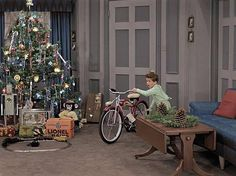 I Love Lucy colorized Xmas episode. love it! {GM}