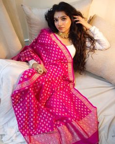 Casual Indian Fashion, Indian Fashion Dresses, Dress Indian Style, Indian Designer Outfits, Designer Dresses, Fashion Outfits, Indian Wedding Outfits, Indian Outfits, Kurti Embroidery Design