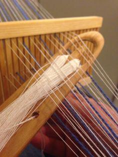 Peg Loom, Thread Art, Clothes Hanger, Weaving, Wordpress, Home Decor, Paddle, Bands, Threading