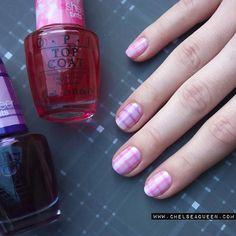 Gingham Pattern Nail Design for Short Nails