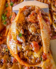 in just 30 minutes and with five ingredients, you'll love these Cheesy Taco Stuffed Shells!Done in just 30 minutes and with five ingredients, you'll love these Cheesy Taco Stuffed Shells! Easy Soup Recipes, Beef Recipes, Mexican Food Recipes, Chicken Recipes, Cooking Recipes, Slow Cooking, Recipes Dinner, Dinner Ideas, Cooking Pasta