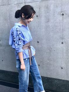 問い合わせ多数!!刺繍シャツ☆ 刺繍がポイントのこちらのブラウス。 サッシュベルトで引き締めて。