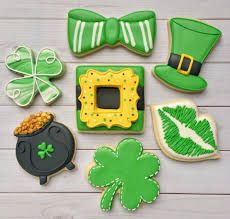 Looking for Best St. Here are best St. Patrick's Day Cookies recipes and St. Patrick's day cookie decoration ideas with roayl icing. St Patrick's Day Cookies, Mint Cookies, Iced Cookies, Cute Cookies, Cookies And Cream, Cupcake Cookies, Sugar Cookies, Valentine Cookies, Holiday Cookies