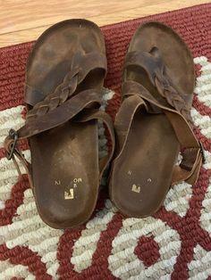 593c5179f312 White Mountain size 10 women s heeled sandals.